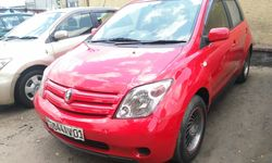 Voiture à vendre Toyota IST Rouge - Kinshasa - Bandalungwa - CarWangu