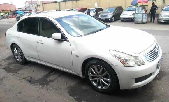Voiture à vendre Nissan Skyline Blanc - Kinshasa - Bandalungwa