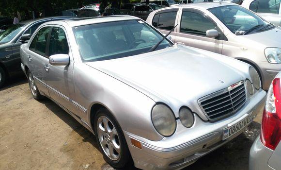 Voiture à vendre Mercedes Benz E-Class Gris - Kinshasa - Kalamu