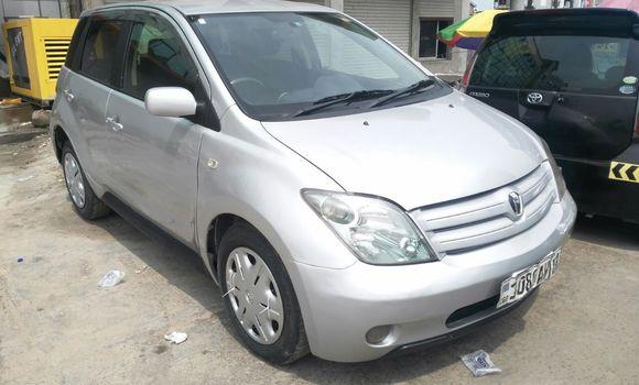 Voiture à vendre Toyota IST Gris - Kinshasa - Kinshasa