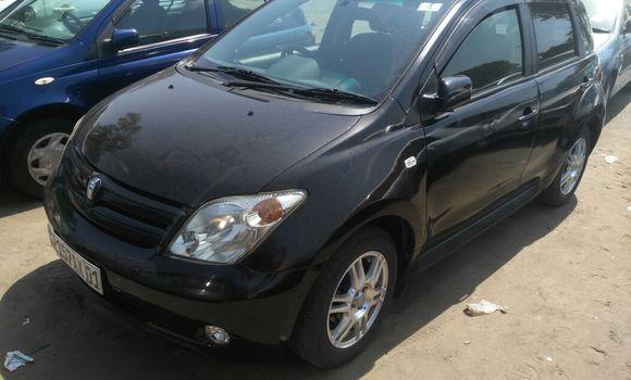 Voiture à vendre Toyota IST Noir - Kinshasa - Kalamu