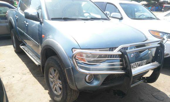 Voiture à vendre Mitsubishi L200 Bleu - Kinshasa - Kalamu