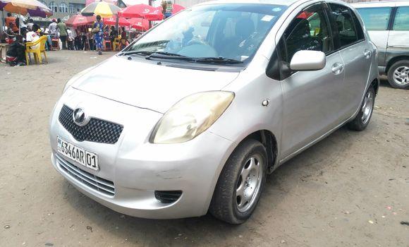 Voiture à vendre Toyota Vitz Gris - Kinshasa - Ndjili