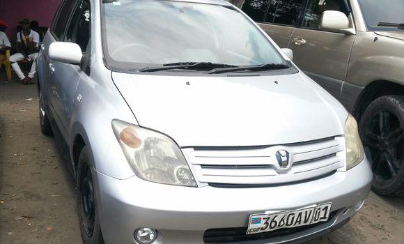 Voiture à vendre Toyota IST Gris - Kinshasa - Ndjili