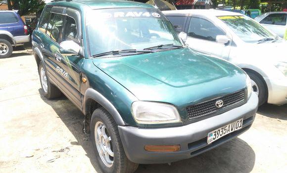 Voiture à vendre Toyota RAV4 Vert - Kinshasa - Lemba