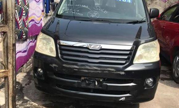 Voiture à vendre Toyota Noah Noir - Kinshasa - Bandalungwa
