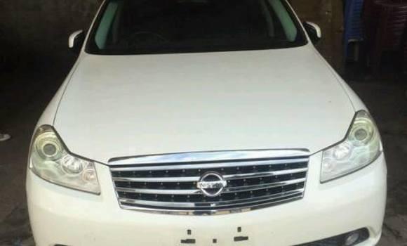 Voiture à vendre Nissan Fuga Blanc - Kinshasa - Bandalungwa