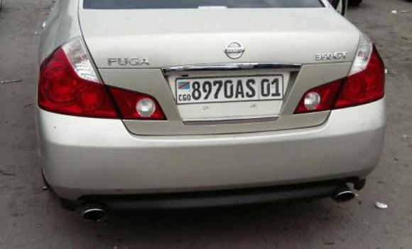 Voiture à vendre Nissan Fuga Gris - Kinshasa - Bandalungwa