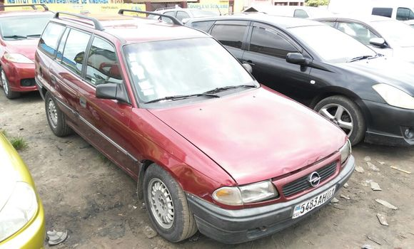 Voiture à vendre Opel Astra Rouge - Kinshasa - Bandalungwa