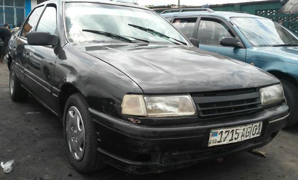 Voiture à vendre Opel Vectra Noir - Kinshasa - Bandalungwa