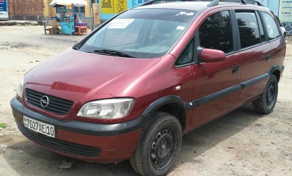 Voiture à vendre Opel Zafira Rouge - Kinshasa - Lingwala